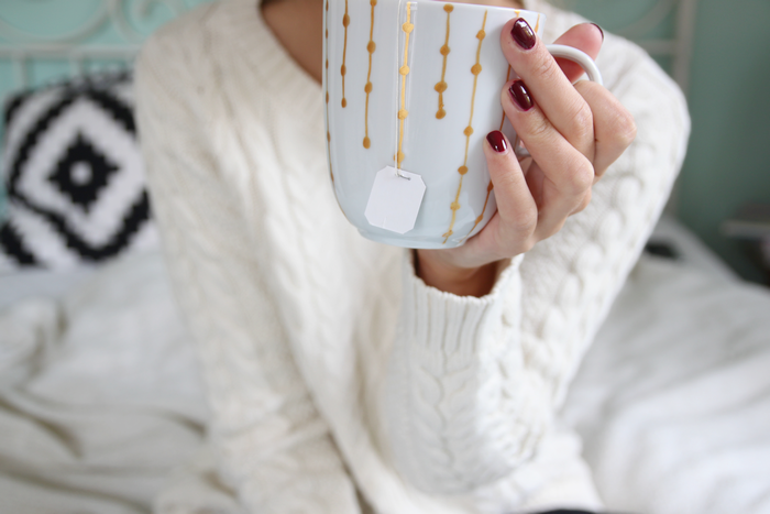 DIY Tasse mit goldenem Muster