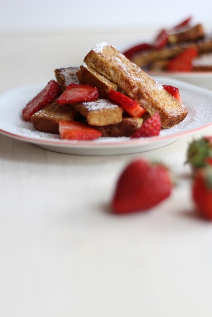 French Toast Sticks mit Erdbeeren