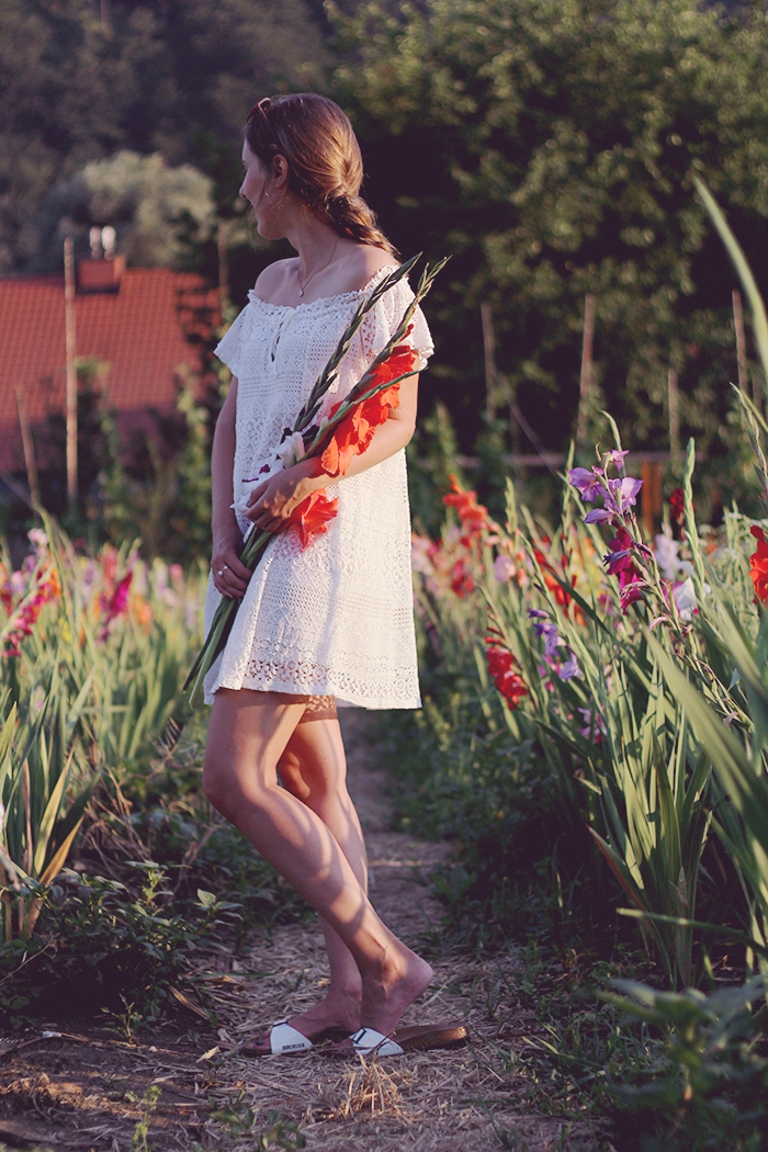 Birkenstock Madrid Outfit white dress