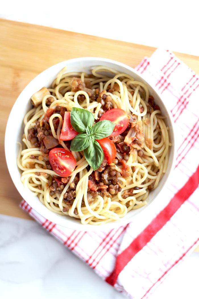 easy yummy spaghetti mit linsenbolognese veggie provinzkindchen. Black Bedroom Furniture Sets. Home Design Ideas