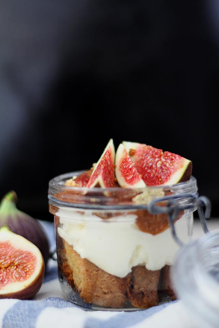Tiramisu mit Cantuccini und Feigen