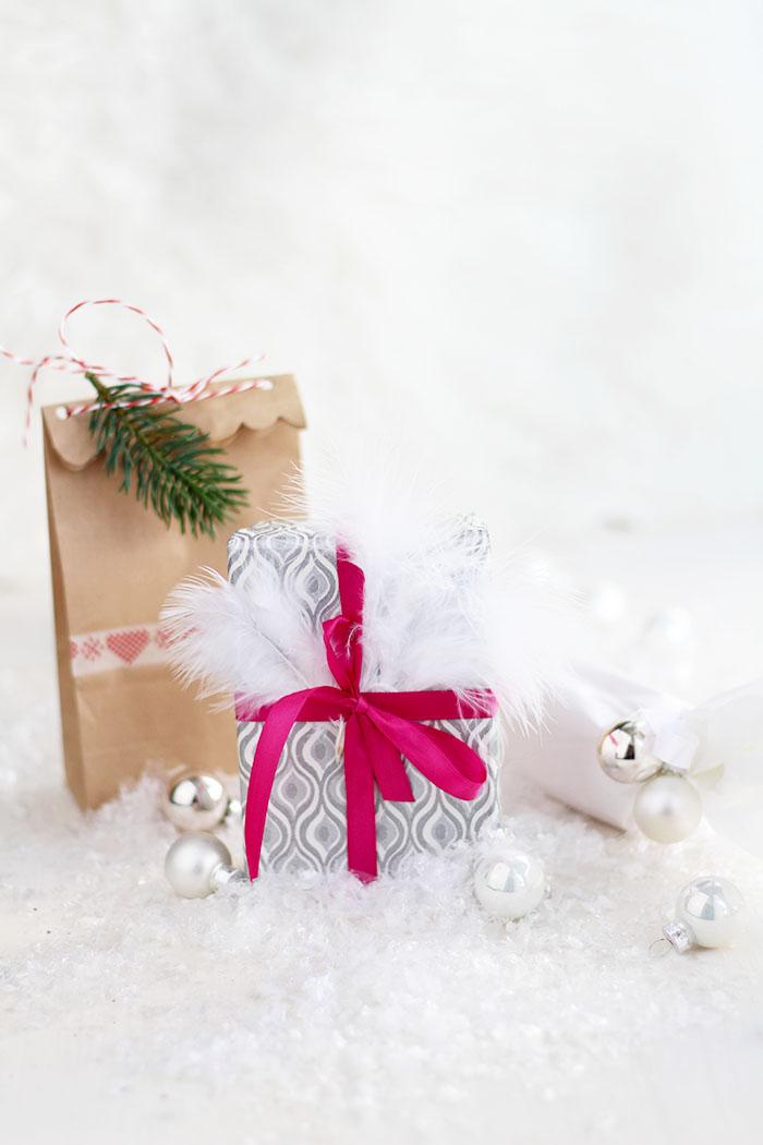 Geschenke verpacken in weniger als 3 Minuten