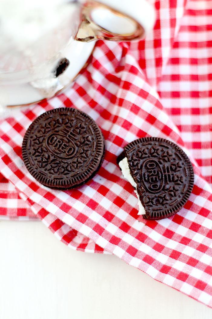 Cookies & Cream Hot Chocolate