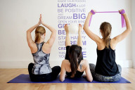 Venus Gillette Swirl Bewegung Workout gruppe