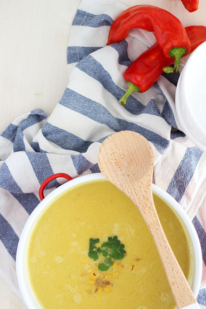 Vegane Maissuppe mit Kokosmilch