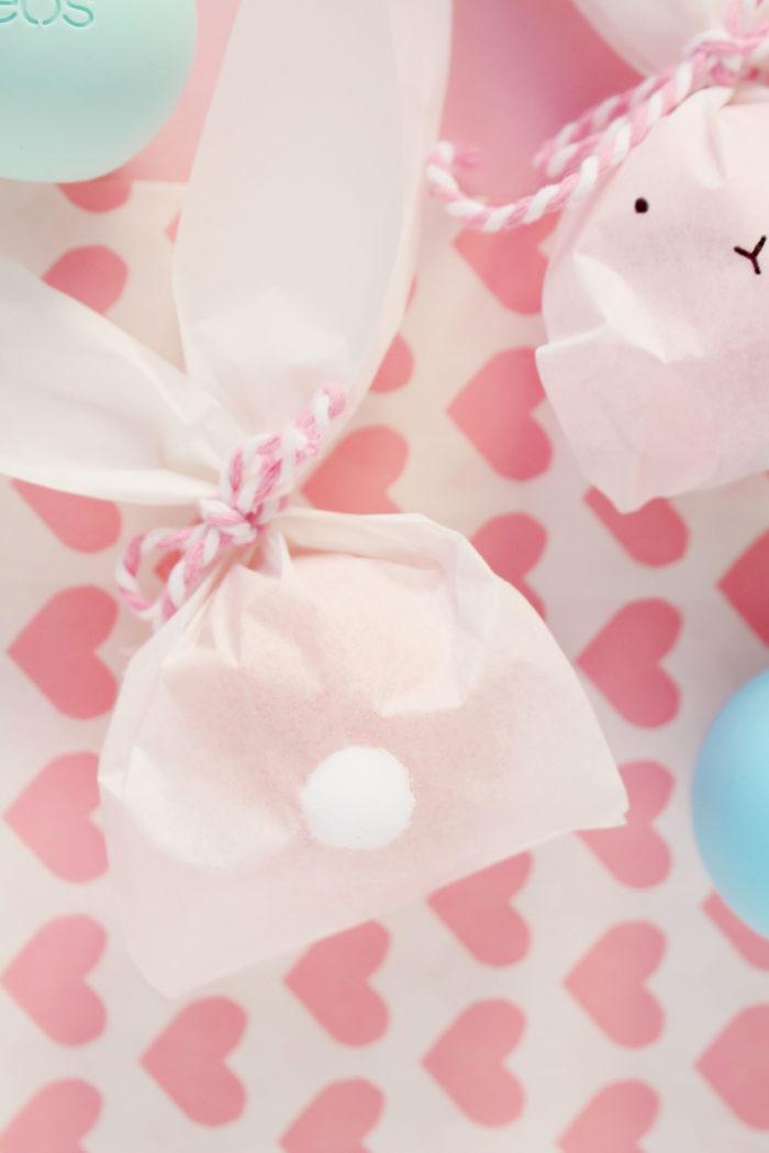 DIY: Süße Osterhäschen Geschenkverpackung mit eos Lippenbalsam