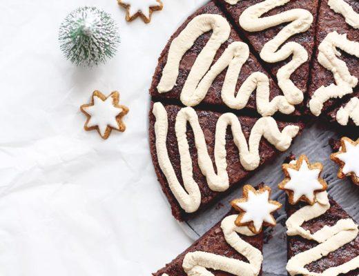 Weihnachtsbaum Brownies mit Kaffeecreme