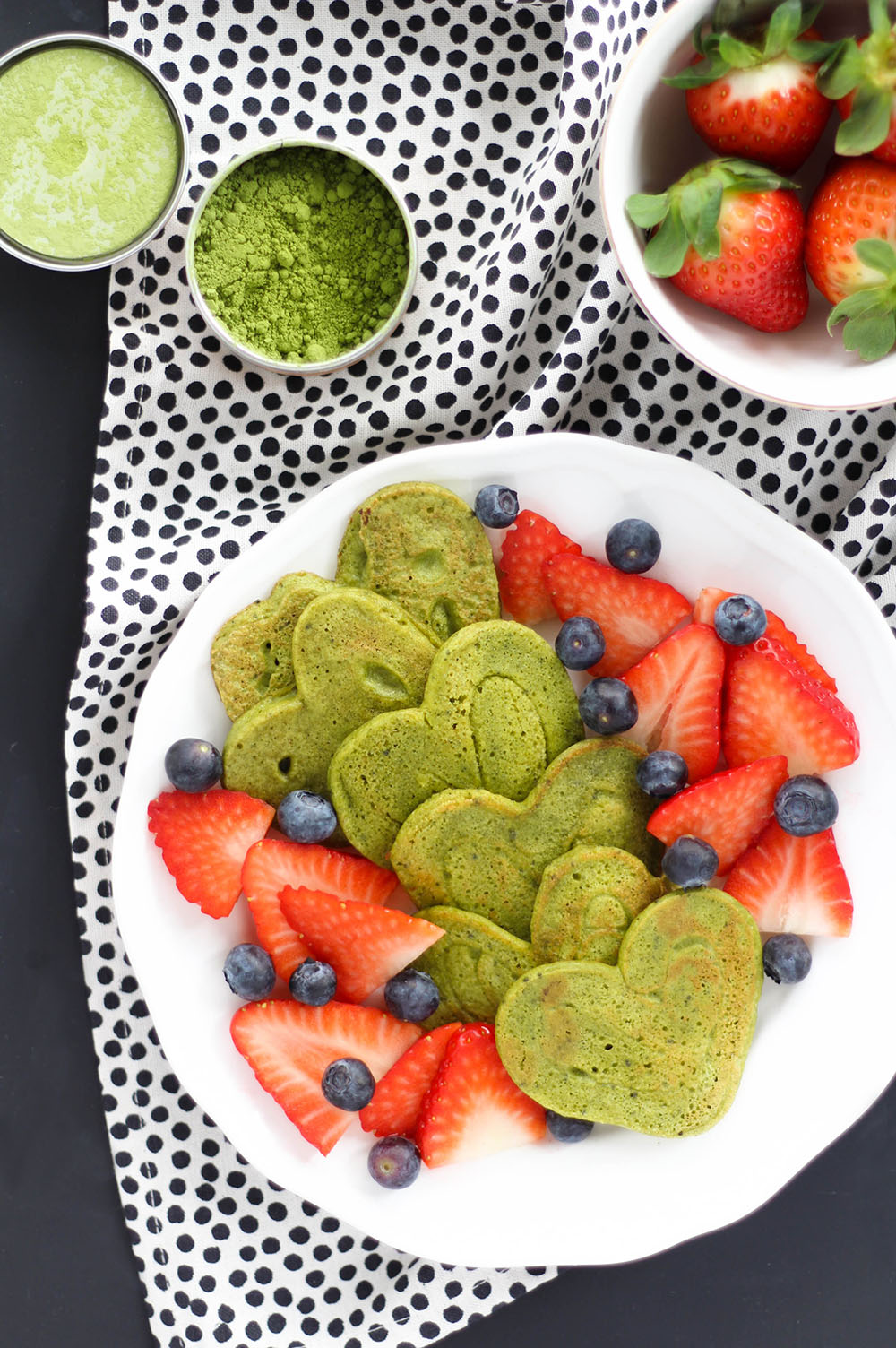 Protein Matcha Pancakes in Herzform