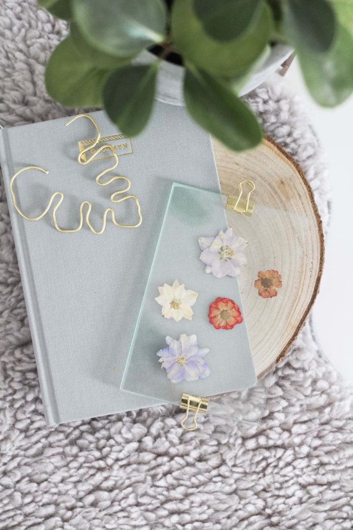 DIY Bilderrahmen mit gepressten Blüten, Blättern oder Federn